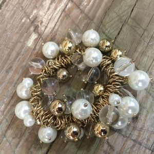 Bracelet faux pearl gold bead multi jump rings